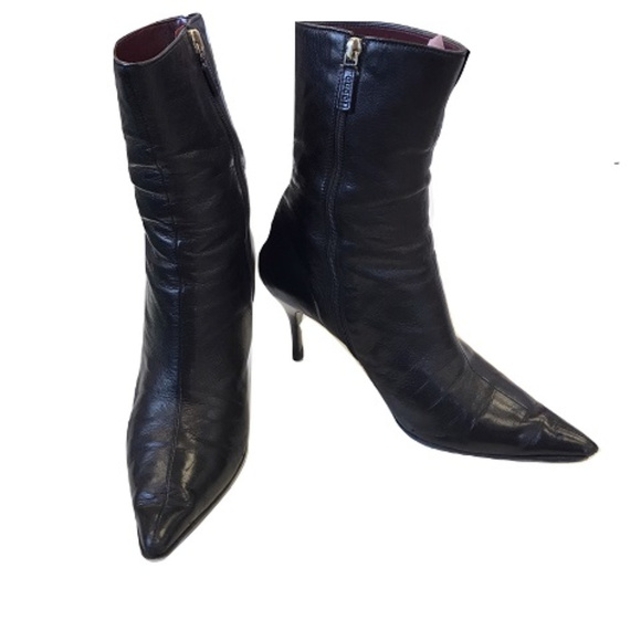 c00e274043 Gucci Shoes   Leather Pointed Toe Boots   Poshmark